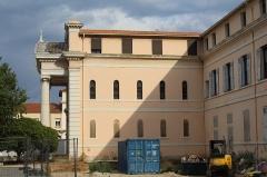 Hôpital Chalucet et jardin public Alexandre Ier - Français:   Hôpital Chalucet, Toulon.