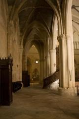 Ancienne abbaye Saint-Jean - English:  North aisle.