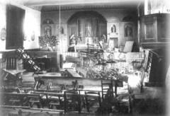 Eglise paroissiale Saint-Pierre - Intérieur de l'église durant la crise des inventaires, en 1906.