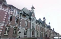 Ancien couvent des Ursulines, ancien hôpital - English: Montargis, Loiret, région Centre, France. The old hospital in the Rue jean Jaurès, now transformed into flats.