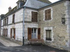 Ancien relais de poste - Français:   Relais Launois sur Vence Ardennes