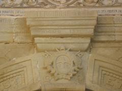 Eglise Sainte-Marie-Madeleine -  Rennas le Castelh - Llegenda a l'entrada de l'esglesia