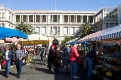 Palais de la Préfecture, ancien palais des rois de Sardaigne -  Life shots in the morning market of Cours Saleya in Nice.