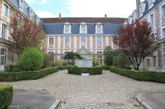 Lycée Jacques Amyot -  Auxerre, Yonne, Bourgogne, France