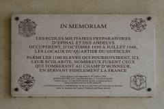 Caserne Duguesclin ou centre Duguesclin -  Plaque du Quartier Du Guesclin à Niort