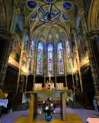 Eglise, située au bourg - Français:   Intérieur de l\'église de Valsonne