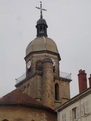 Eglise - Français:   Clocher de l\'église classée de Saint-Amour dans le département du Jura