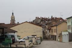 Eglise - Français:   Vue du centre de Saint-Amour (Jura) depuis la rue d\'Allonal.