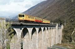 Viaduc Séjourné - Deutsch: Zug der Ligne de Cerdagne auf dem Sejourne-Viadukt.