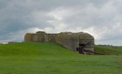 Batterie d'artillerie de Longues - English:   Bunker at Batterie de Longues-sur-Mer, Calvados, Normandy, France