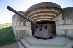 Batterie d'artillerie de Longues -  Blockhaus et canon de 150 mm de la batterie de Longues-sur-Mer, Calvados, France