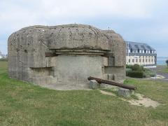 Batterie d'artillerie du Roc - English: Walled blockhaus of Roc cape in Granville (Manche, France).