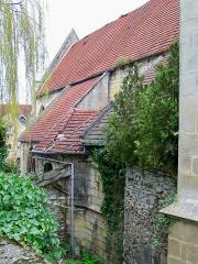 Couvent des Carmes - Français:   Pendant l\'utilisation de l\'ancien couvent comme caserne «quartier Montmarie» entre 1856 et 1998, la substance n\'a pas été correctement entretenue et la chapelle reste à l\'état d\'abandon malgré la restauration des autres bâtiments.
