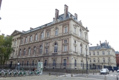 Palais de Justice - Français:   Palais de justice d\'Amiens: vue depuis le nord-ouest
