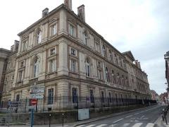 Palais de Justice - Français:   Palais de justice d\'Amiens: façade nord, vue du nord-est