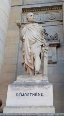 Palais de Justice - Français:   Amiens, parvis du palais de justice, statue de Démosthène par Justin-Chrysostome Sanson