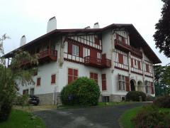 Villa Saraléguinéa - Euskara: Lapurdiko Getariako Saraleginea etxea