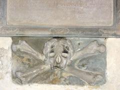 Eglise de l'Annonciation Notre-Dame - Français:   Dammarie-sur-Saulx (Meuse) église, relief tête de mort