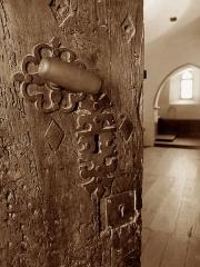 Cathédrale Notre-Dame de la Sède - Saint-Lizier (Ariège, France): Détail de la porte de la cathédrale Notre-Dame-de-la-Sède.