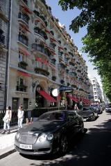 Hôtel Plaza-Athénée - English: Plaza Athénée Palace Hotel, Paris