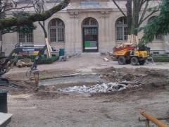 Ecole normale supérieure - Français:   Travaux de réfection du bassin aux Ernests à l\'École normale supérieure de Paris (Ulm) en janvier 2007: détail du bassin.