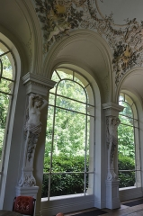 Domaine de Vert-Mont - English: Relief in the ballroom of Château de Vert-Mont in Rueil-Malmaison, Hauts-de-Seine department in France.