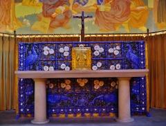 Eglise Saint-Louis de Vincennes - Deutsch: Altar der Kirche St. Louis, Vincennes, Département Val-de-Marne, Region Île-de-France, Frankreich