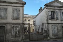 Synagogue - Deutsch: Synagoge in Bayonne im Département Pyrénées-Atlantiques (Region Aquitaine-Limousin-Poitou-Charentes/Frankreich), mit Nebengebäuden