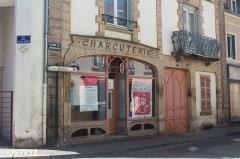 Immeuble - Français:   Charcuterie, 1 Grande rue Marchaux, Autun.