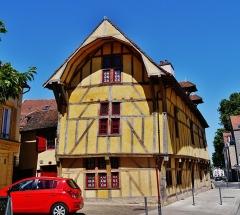 Maison dite du Dauphin - Deutsch:   St. Nizier-Platz, Troyes, Département Aube, Region Champagne-Ardenne (heute Großer Osten), Frankreich