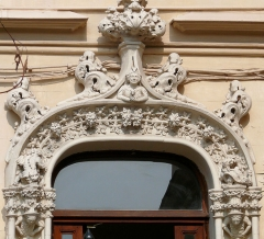 Maison Eymonaud - Français:   Paris 18e arrondissement - Villa Eymonaud - Décoration de la porte d\'entrée