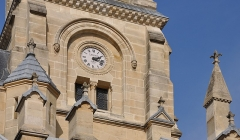 Eglise du Centre ou Saint-Clodoald - English:   The clock of the church Saint-Clodoald in Saint-Cloud, Hauts-de-Seine department, France.