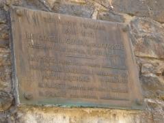 Viaduc des Rochers Noirs (également sur commune de Soursac) - Viaduc des Rochers Noirs, la plaque laissée lors de l'inauguration