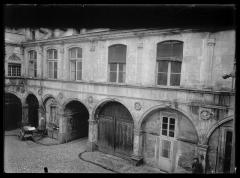 Hôtel de Pins et hôtel Antonin -