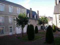Lycée Victor-Hugo - Français:   lycée Victor-Hugo cour d\'honneur
