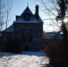Pavillon Henri II - Français:   Le Pavillon Henri II en hiver
