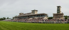 Hippodrome - English: A panoramic view of the Chantilly Racecourse at the 2013 Prix de Diane, in Chantilly, France.