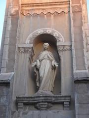 Usine de chaux - cimenterie Lafarge, chapelle Saint-Victor de la cité Blanche - Français:   un geste d\'accueil