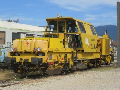 Gare - English: A tamping machine (n°6019, in activity since 2014) parked in Culoz station (Ain, France) on September 9, 2018.