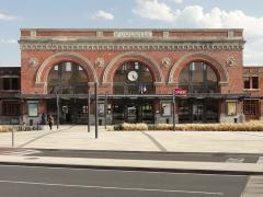 Gare - Français:   Gare de Saint-Quentin.