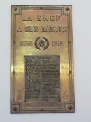 Gare - Français:   Saint-Quentin (Aisne) gare, plaque commémorative 1939-45