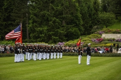 Mémorial Américain du Bois Belleau - English: U.S. Marines from the 1st Marine Division and their French counterparts gather at Aisne-Marne American Cemetery to commemorate their fallen heroes in Belleau, France on May 31, 2015. This Memorial Day ceremony was held in honor of the 97th anniversary of the Battle of Belleau Wood. (U.S. Marine Corps photo by Lance Cpl. Akeel Austin/Released)