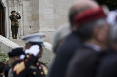 Mémorial Américain du Bois Belleau - English: U.S. Marines Corps Cpl. Gregg Alvarez, a trumpet player, with 1st Marine Division Band plays during an anniversary ceremony with the French Legionnaires on Aisne Marne American Cemetery in Belleau, France, on May 31, 2015. The ceremony was held to commemorate the Battle of Belleau Wood. (U.S. Marine Corps Photo by Sgt. Luis A. Vega/Released)