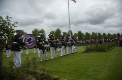Mémorial Américain du Bois Belleau - English: U.S. Marines with the 1st Marine Division Band perform a drum break on the field during an anniversary ceremony with the French Legionnaires on Aisne Marne American Cemetery in Belleau, France, on May 31, 2015. The ceremony was held to commemorate the Battle of Belleau Wood. (U.S. Marine Corps Photo by Sgt. Luis A. Vega/Released)