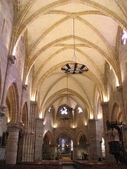 Eglise Saint-Saturnin -  Nef de l'église Saint Saturnin, à Cusset.