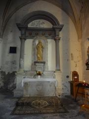 Eglise paroissiale Saint-André et chapelle des pénitents blancs ou Notre-Dame de Pitié -  Autel et statue dans une chapelle de l'église Saint-André de Mane