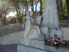 Monument aux morts de la guerre de 1914-1918 -  This file has no description, and may be lacking other information.  Please provide a meaningful description of this file.