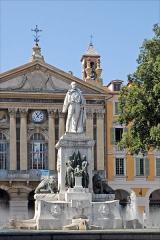 Chapelle de la confrérie du Saint-Sépulcre ou des Pénitents bleus - English: Monument to Giuseppe Garibaldi at place Garibaldi in Nice, France