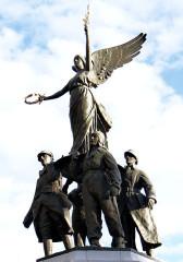 Monument aux morts de la guerre de 1914-1918 - Français:   Cannes - Monument aux morts - Groupe sculpté