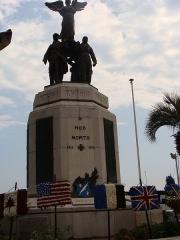 """Monument aux morts de la guerre de 1914-1918 - English: """"A nos morts"""" statue in Cannes, France."""